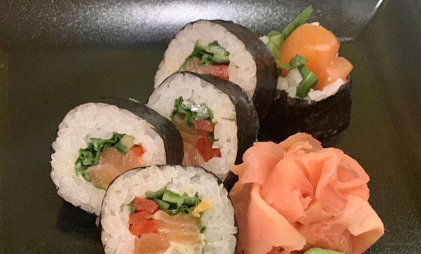 Futomaki Sushi  (8 ks )
